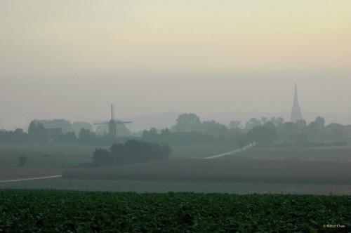 Steenvorde un matin brumeux de septembre.jpg